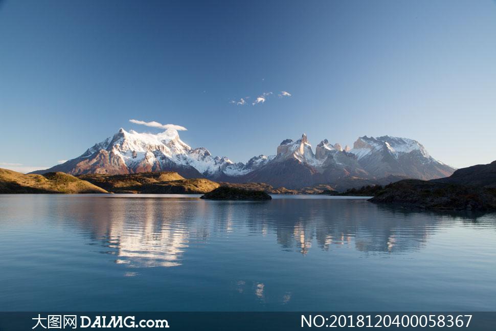 大图首页 高清图片 自然风景 > 素材信息          雪山下的湖泊倒影