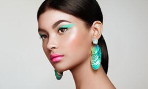 红唇眼部彩妆美女人物摄影高清图片