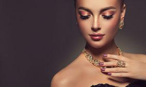 戴首饰的浓妆美女人物摄影高清图片