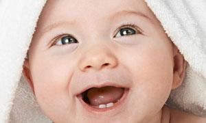 披着毛巾的小男孩人物摄影高清图片