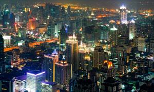 灯光照耀下的城市夜景风光高清图片