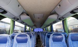 内部整洁如新的大巴车摄影高清图片