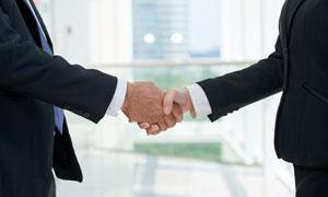 商务场合握手情景特写摄影高清图片