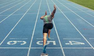 起跑瞬间运动人物主题摄影高清图片