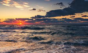 黄昏黑云与火红的太阳摄影高清图片