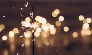 梦幻光斑散景下的火花摄影高清图片