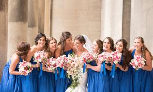 美丽新娘与伴娘团人物摄影高清图片