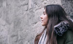黑色長發冬裝美女人物攝影高清圖片