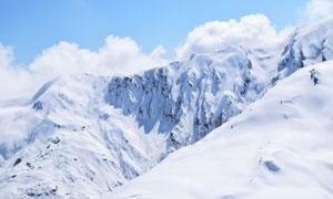 高海拔地区的严寒冰雪山峰高清图片