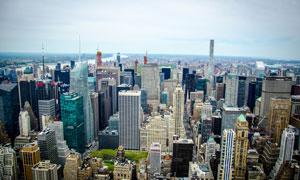 楼宇建筑林立的大城市摄影高清图片