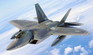 空中挂载实弹的战斗机摄影高清图片