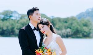 水边婚纱美女人物主题摄影高清图片