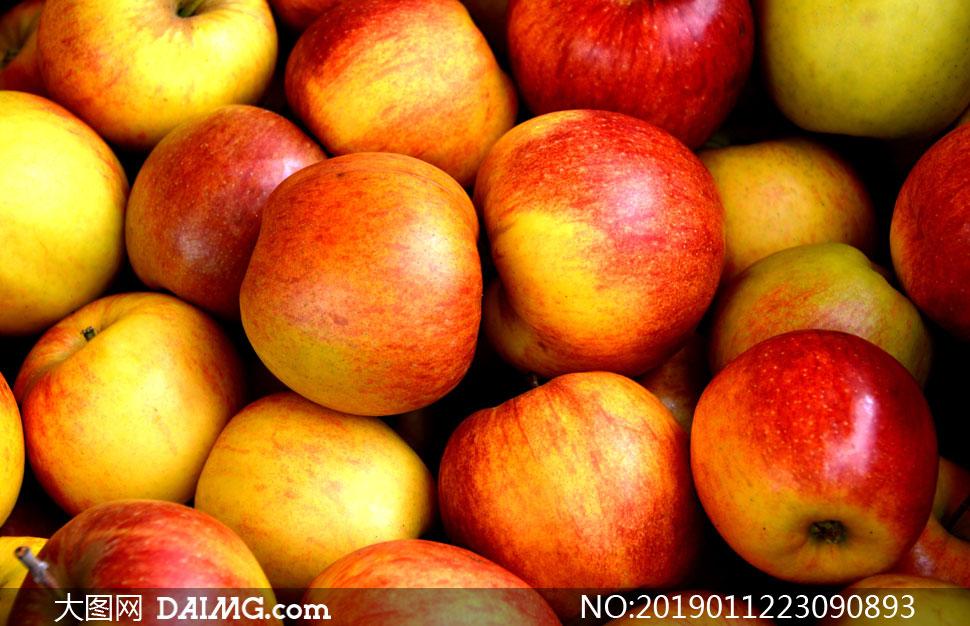 色彩诱人的红苹果特写摄影高清图片