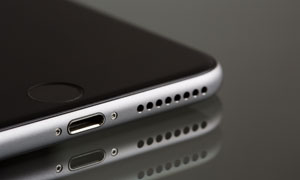 苹果智能手机机身特写摄影五百万彩票图片
