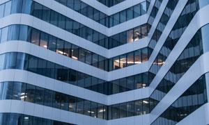 蓝色外墙的城市建筑物摄影高清图片