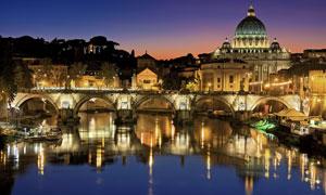 圣彼得大教堂夜晚風光攝影高清圖片