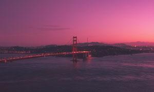 黃昏美景襯托下的金門大橋高清圖片