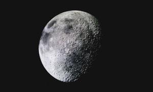 坑坑洼洼月球表面主題攝影高清圖片