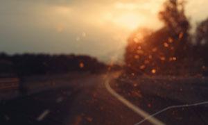 道路风景朦胧光斑效果摄影高清图片