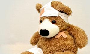 打了绷带创可贴的玩具小熊高清图片
