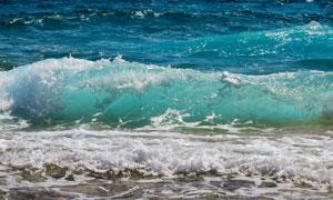 海面上的波涛浪花风光摄影高清图片