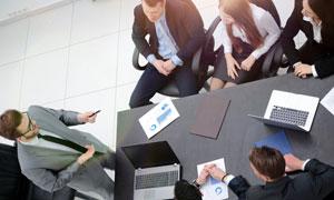 在开会的公司员工人物摄影高清图片