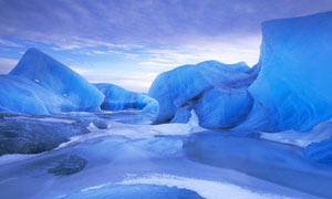 冬季美丽的冰川世界摄影图片