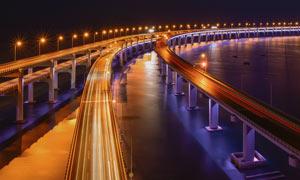 夜晚美麗的立交橋攝影圖片