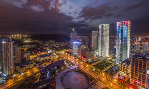 夜晚美麗的都市景觀攝影圖片