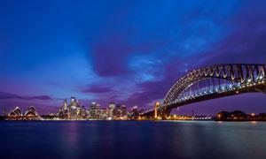 夜晚悉尼歌劇院和大橋攝影圖片