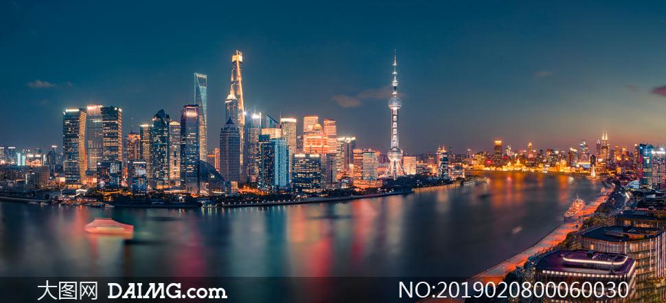 上海外灘夜景高清攝影圖片