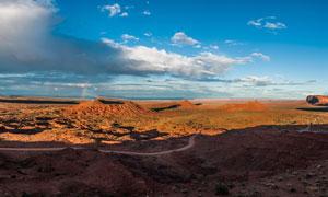 蓝天下的戈壁风光摄影图片