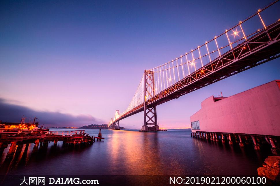 夜幕下港澳珠大桥高清摄影图片图片