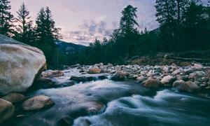 山间美丽的小溪摄影图片