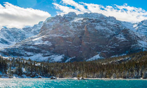 雪后高山美景高清摄影图片