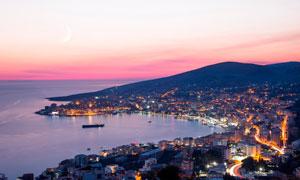 海边美丽的城市夜景摄影图片