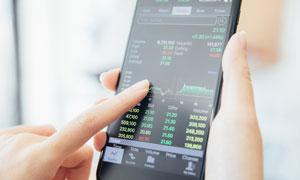 掌中手机股市APP展示效果高清图片