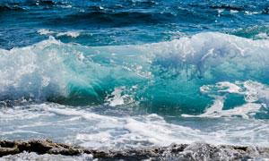 海面上卷起的浪花美景摄影高清图片