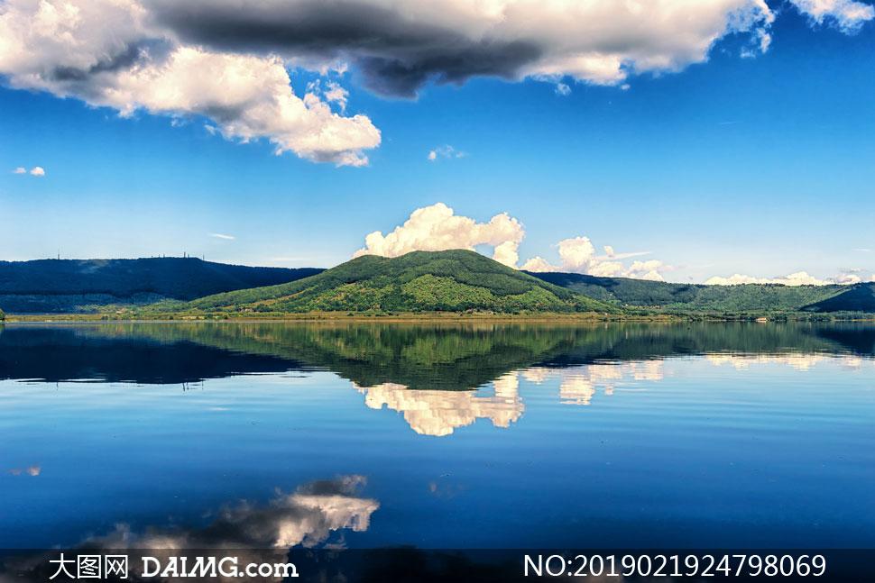 蓝天白云湖光山色倒影风景高清图片