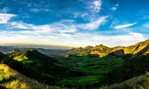 蓝天白云山谷自然风光摄影高清图片