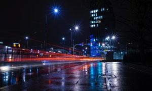 一场雨过后的城市夜景风光高清图片