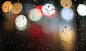 散景光斑与在玻璃上的水珠高清图片