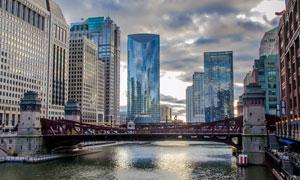 乌云下的城市建筑风光摄影高清图片