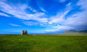 蓝天白云山丘大海风景摄影高清图片