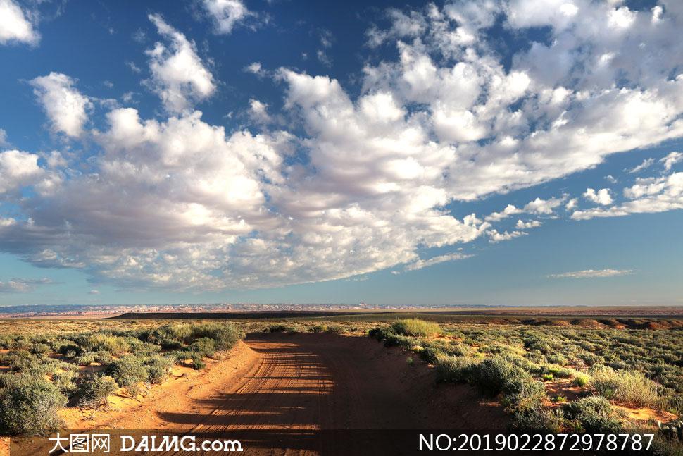 天空白云荒漠自然风光摄影高清图片