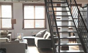 房间客厅沙发家具楼梯摄影高清图片