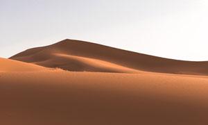 沙漠上如山一样的?#22478;?#25668;影高清图片