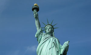 纽约自由女神雕像特写摄影高清图片