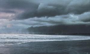 浓云密布下的海景风光摄影高清图片