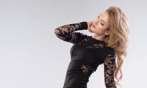 黑色蕾絲緊身裙裝美女攝影高清圖片